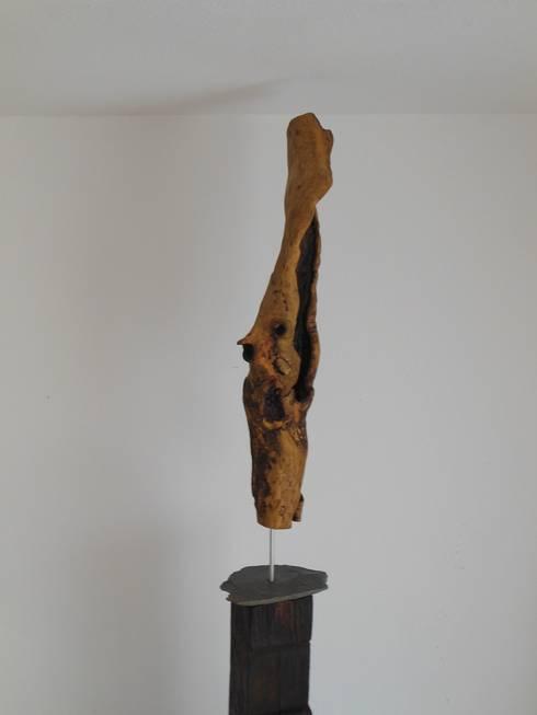 Holzskulptur: rustikale Wohnzimmer von Holzsteinkunstobjekte