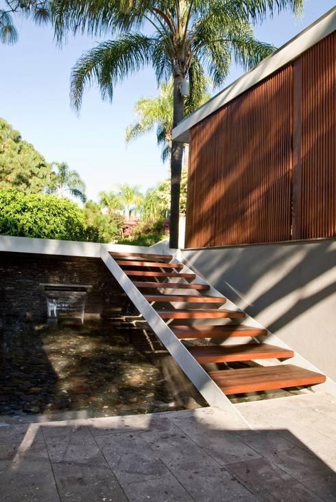 CASA RP: Casas de estilo moderno por Alvaro Moragrega / arquitecto