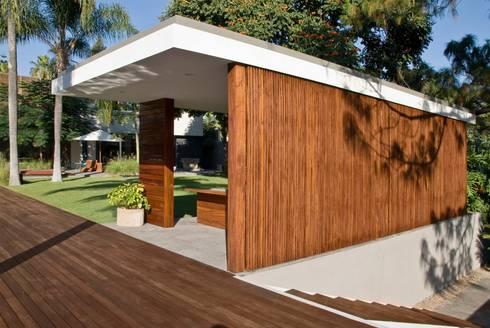 CASA RP: Jardines de estilo moderno por Alvaro Moragrega / arquitecto