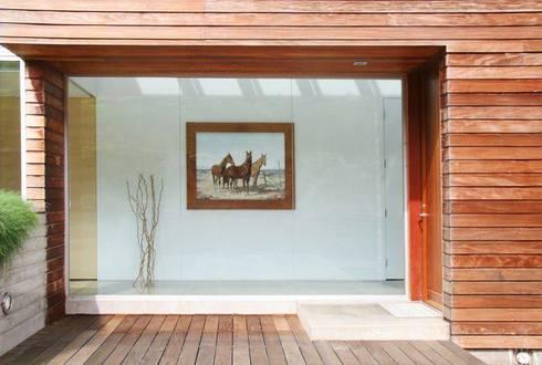 Lani Nui Ranch: Casas de estilo moderno por Alvaro Moragrega / arquitecto