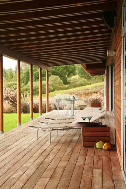 Lani Nui Ranch: Terrazas de estilo  por Alvaro Moragrega / arquitecto