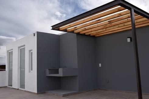 Roof Garden: Casas de estilo minimalista por JF ARQUITECTOS