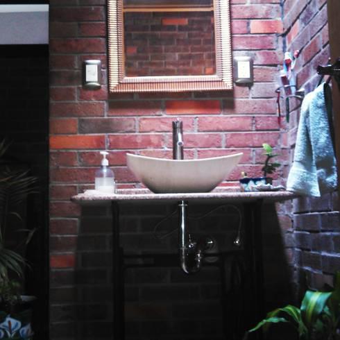 Casa Orizaba: Baños de estilo  por Constructora e Inmobiliaria Catarsis