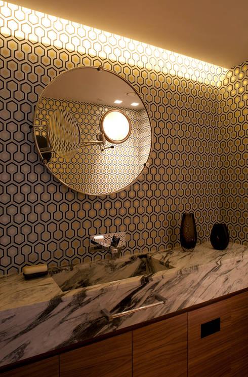 West London house:  Bathroom by Viewport Studio