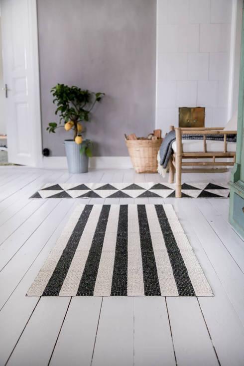 Salas de estar modernas por Nordic Nest