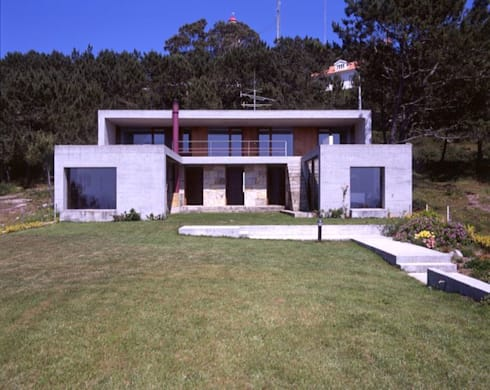 Casa Eng. Raimundo Delgado: Casas modernas por C. PRATA ARQUITETOS