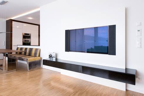 wohnen mit biss tv wand mit eckbank von designwerk. Black Bedroom Furniture Sets. Home Design Ideas
