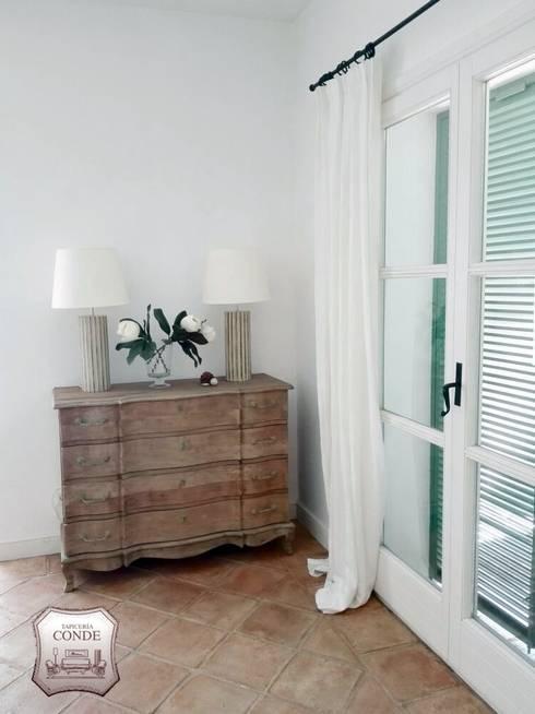 Confección de Estor: Dormitorios de estilo  de Tapicería Conde
