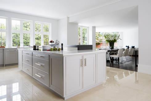 Townhouse kitchen kingston upon thames by linley london for Kitchen design kingston