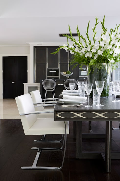 Townhouse Kitchen, Kingston upon Thames:  Kitchen by LINLEY London