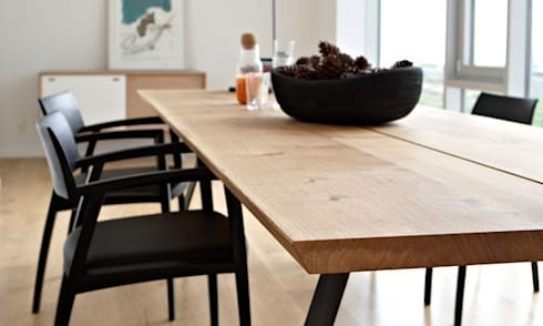 Plank table de repas design scandinave par le studio des for Table scandinave avec rallonge