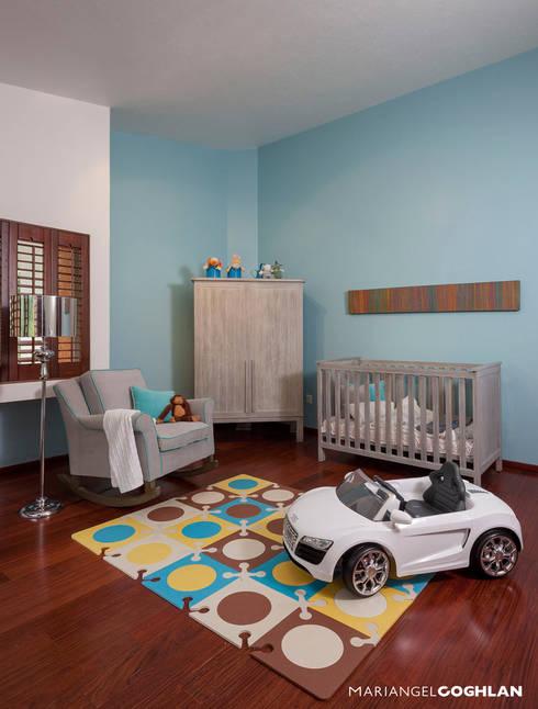 Recámara bebé: Recámaras infantiles de estilo  por MARIANGEL COGHLAN