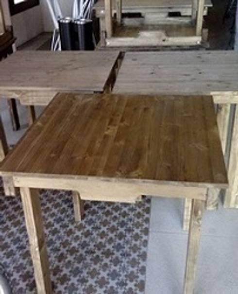 mesas con palets restaurante: Bodegas de estilo rústico de RECICLA'RT