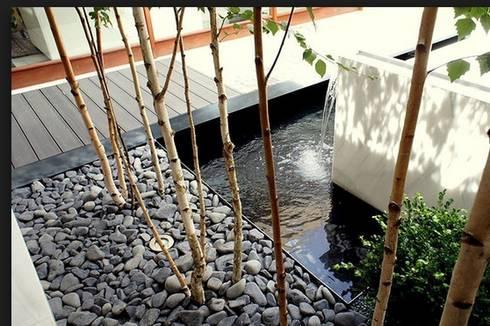 PATIO PRIVADO: Jardines de estilo minimalista de Liquidambar.es