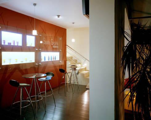 SG Satélite - Micheas Arquitectos: Espacios comerciales de estilo  por Micheas Arquitectos