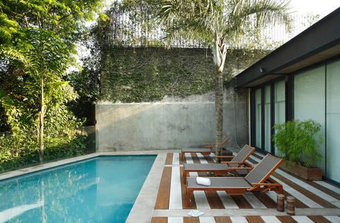 Residência Caio de Mello Franco: Terraços  por Cerejeira Agência de Arquitetura