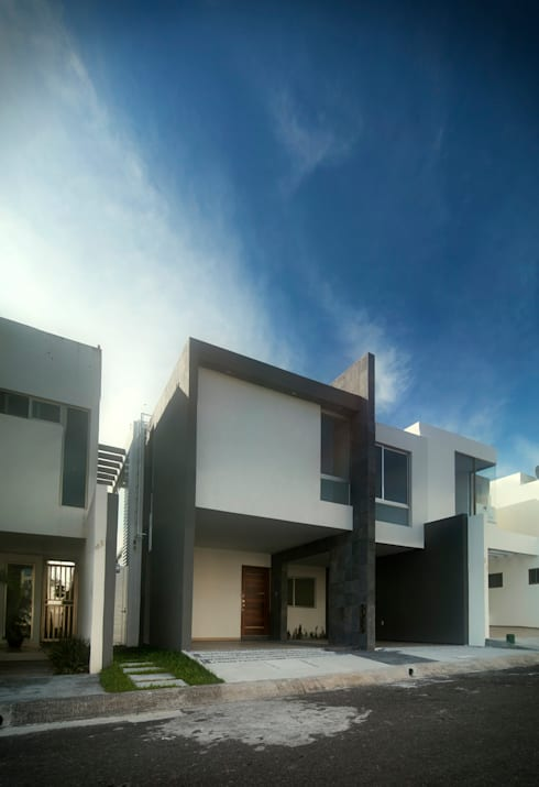 Fachada Principal: Casas de estilo minimalista por RTstudio