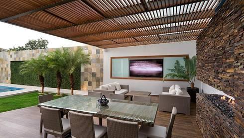 ALBERCA - TÓRTOLAS / MICHEAS ARQUITECTOS: Terrazas de estilo  por Micheas Arquitectos