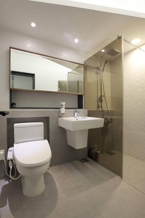 일산 강선마을 벽산아파트 58평형: MID 먹줄의  욕실
