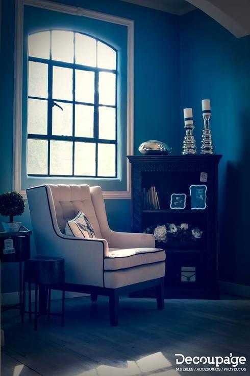 ¡Visita nuestros showrooms y vive la experiencia de este concepto único!: Hogar de estilo  por Decoupage