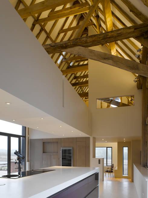 Cucina in stile in stile Moderno di Hudson Architects