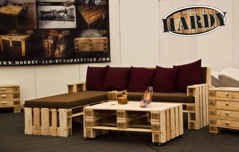 m bel aus europaletten von hardy design m bel aus europaletten homify. Black Bedroom Furniture Sets. Home Design Ideas