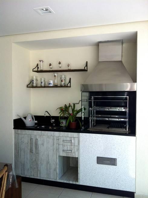 Apartamento Condomínio Central Park – Mooca: Varanda, alpendre e terraço  por Projetual Arquitetura