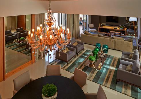 Residência LM: Salas de estar modernas por Gláucia Britto