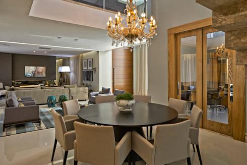 Residência LM: Salas de jantar modernas por Gláucia Britto