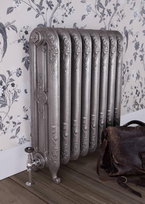 Sala de estar  por UK Architectural Antiques