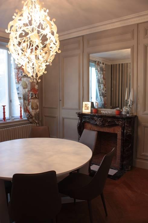 La salle à manger après travaux.:  de style  par Rouge Amande