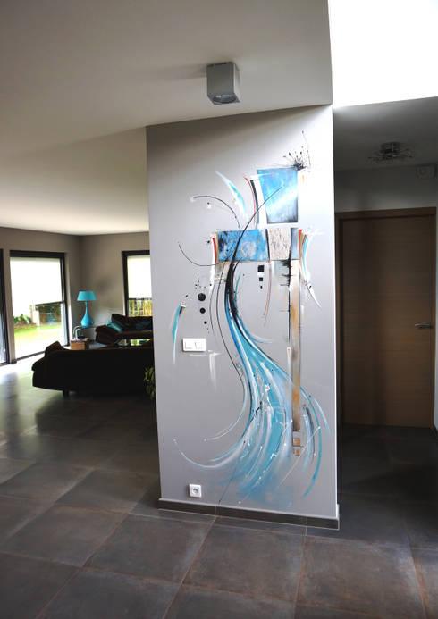 bleu abstrait : Murs & Sols de style  par Emilie Cardinale