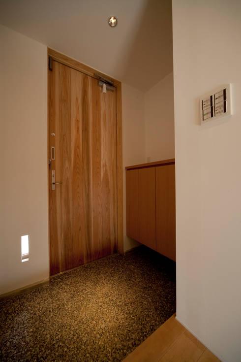 Casas minimalistas por 有限会社クリエデザイン/CRÉER DESIGN Ltd.