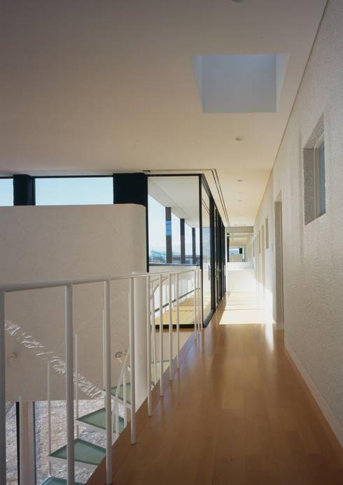 エンガワ/Engawa: W.D.Aが手掛けた廊下 & 玄関です。