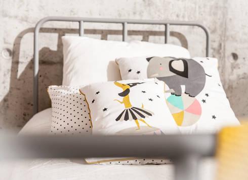 Ideas para decorar una habitaci n infantil de estilo - Decorar cama con cojines ...