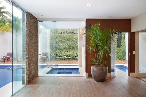 Sauna: Spas modernos por Arquitetura e Interior