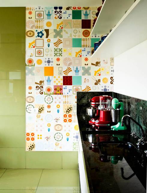 Apartamento Bairro de Higienópolis: Cozinha  por CARMELLO ARQUITETURA