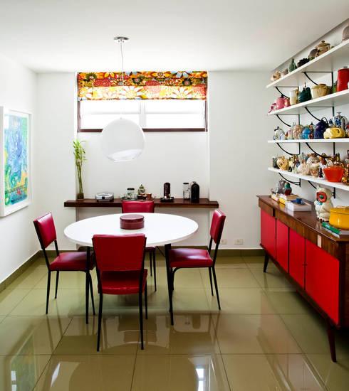 Cocinas de estilo  por CARMELLO ARQUITETURA
