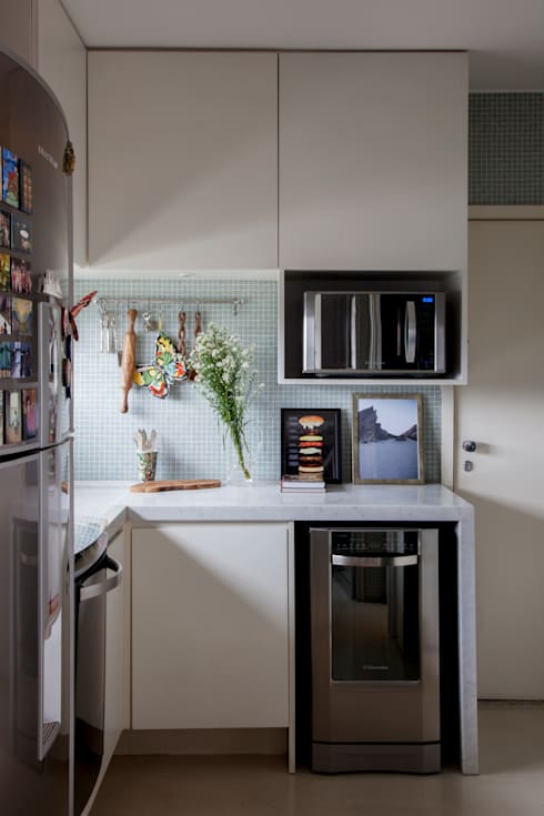 mediterranean Kitchen by Helô Marques Associados