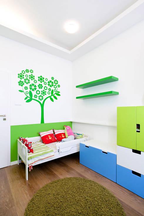 Realizacja projektu mieszkania 70 m2 w Krakowie: styl , w kategorii Pokój dziecięcy zaprojektowany przez Lidia Sarad
