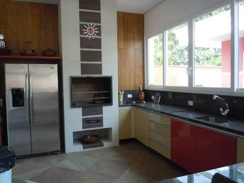 Espaço gourmet: Terraços  por Flávia Brandão - arquitetura, interiores e obras