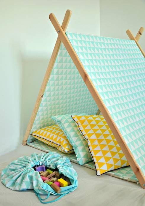 Domek namiot tipi miętowe trójkąty : styl , w kategorii Pokój dziecięcy zaprojektowany przez Lucky Kids
