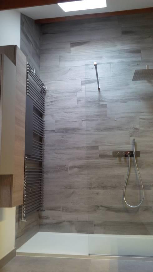rénovation salle de bain: Salle de bains de style  par IL BAGNO
