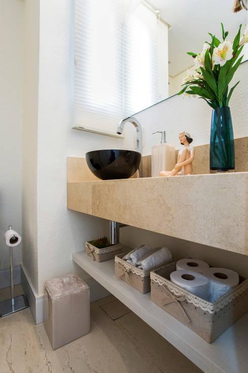Baños de estilo moderno por Amanda Pinheiro Design de interiores