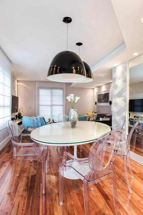 Apartamento Chácara Klabin (SP): Salas de jantar  por Amanda Pinheiro Design de interiores