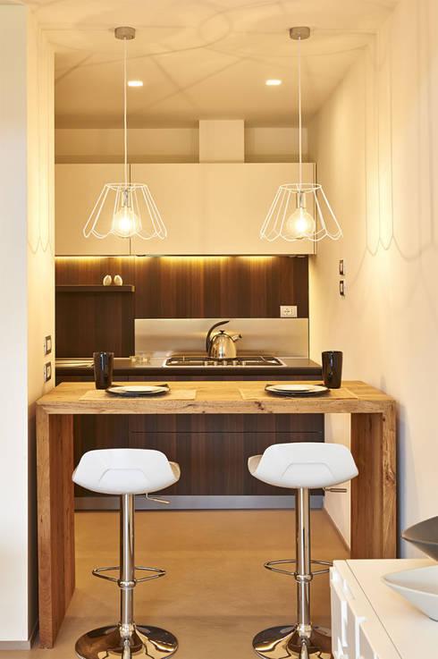 Il Loft_09: Cucina in stile in stile Moderno di Studio ARTIFEX