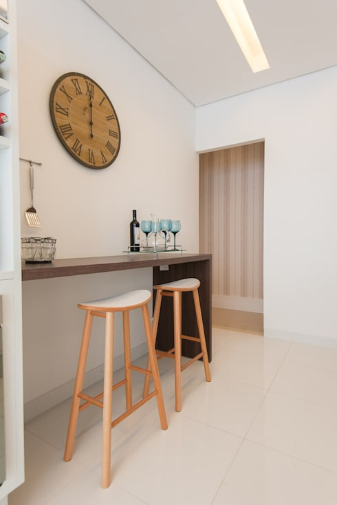 Mariana Orsi: Cozinhas modernas por Renata Cáfaro Arquitetura