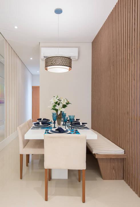 Supremo Boqueirão – Âncora Construtora: Salas de jantar modernas por Renata Cáfaro Arquitetura