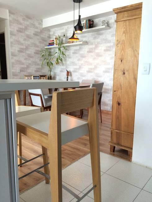 Bancada de café: Cozinhas modernas por Projeto Bem Bolado