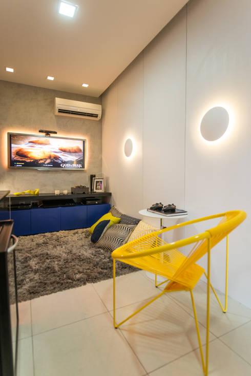 Ed. Grand Monde Lune: Salas de multimídia  por Bloom Arquitetura e Design